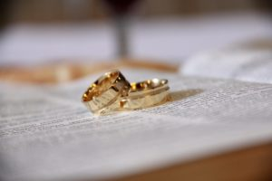 gold-wedding-bands-265730